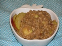 Metabolism Boosting Apple Pie Oatmeal