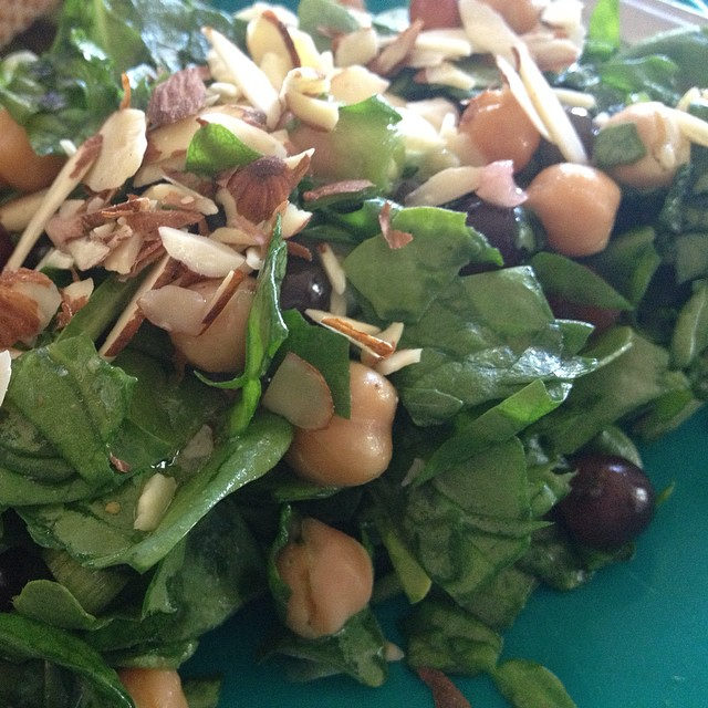 Yummy salad with Champagne grapes! So cute, smaller than the garbanzo beans and deliciously sweet. If you're in Cali check Trader Joes for them. #champagne #salad #traderjoes #dinner #recipe